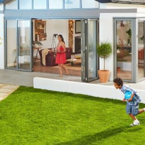 Folding doors in aluminium